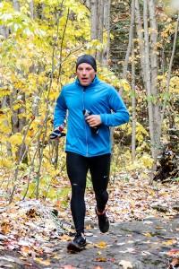 Glen Candari running